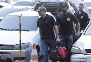 Sérgio Côrtes na sede da PF após ser preso: repasse milionário Foto: Gabriel Paiva / Gabriel de Paiva/11-04-2017