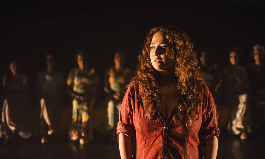 Debora Lamm é Medéia em 'Mata teu pai', no Teatro Poeira Foto: Aline Macedo / Aline Macedo