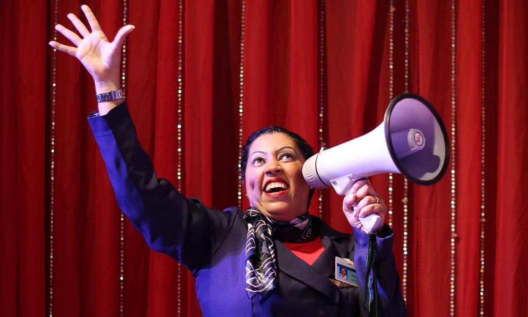 'Supermoça': Izabella Van Hecke volta com seu monólogo cômico no Teatro Glauce Rocha Foto: Divulgação / Divulgação