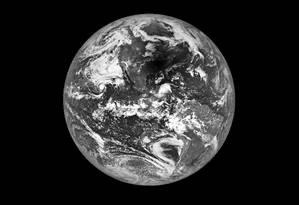 Imagem mostra a sombra da Lua sobre os EUA Foto: NASA