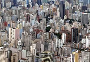 Vista aérea da cidade de São Paulo, a mais populosa do país, segundo o IBGE Foto: Michel Filho / Agência O Globo
