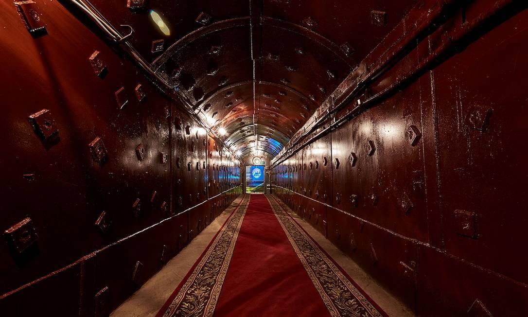 Assim como o subterrâneo Bunker-42, ou Bunker de Stalin, construído no auge da Guerra Fria, e que pode ser visitado Foto: Bunker-42 / Reprodução