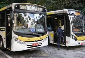 Passagens de ônibus ficarão mais baratas no município do Rio Foto: Guilherme Pinto / Extra