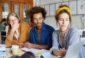Dependendo do comportamento de cada um, estudar em grupo pode ser tanto uma solução quanto um problema Foto: Fotolia