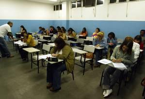 Universitários durante prova do Enade no Colégio Pentágono, em Vila Valqueire, no Rio