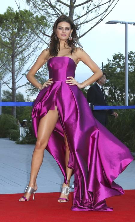 Isabeli com o vestido 'sob controle' Foto: Joel Ryan / Joel Ryan/Invision/AP