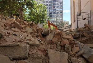 Casarão foi demolido na manhã deste sábado, por volta das 8h Foto: Gabriel Menezes
