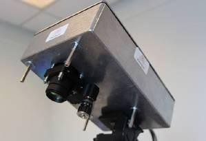 Equipamento pode rastrear uma fonte de luz dentro do corpo humano Foto: RANALD LEASK / Universidade Heriot-Watt