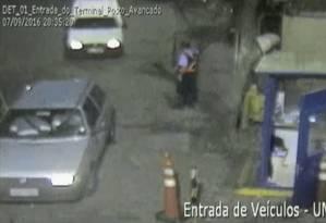 Cerca de 820 policiais federais cumprem mais de 300 mandados judiciais contra o tráfico internacional de drogas Foto: Reprodução/TV Globo