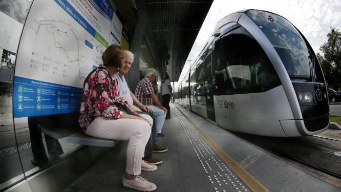 VLT, um dos legados dos Jogos Olímpicos do Rio no transporte Foto: Marcelo Theobald / Agência O Globo