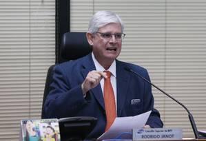 Janot anuncia que abriu investigação sobre negociação da delação premiada de executivos da JBS Foto: Givaldo Barbosa / Agência O Globo