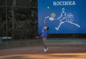 Projeto de Escolinha de Tenis Fabiano de Paula, na Rocinha, atende mais de 100 crianças Foto: Analice Paron / Agência O Globo