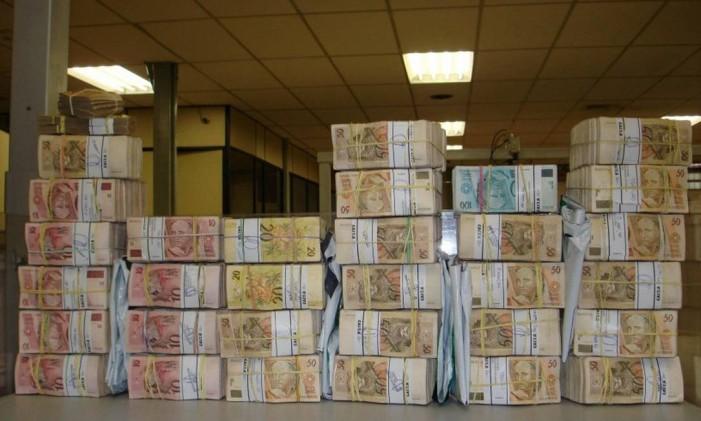 Cópia do dinheiro apreendido pela PF com petistas para a compra do dossie contra tucanos. 29/09/2006 Foto: Reprodução
