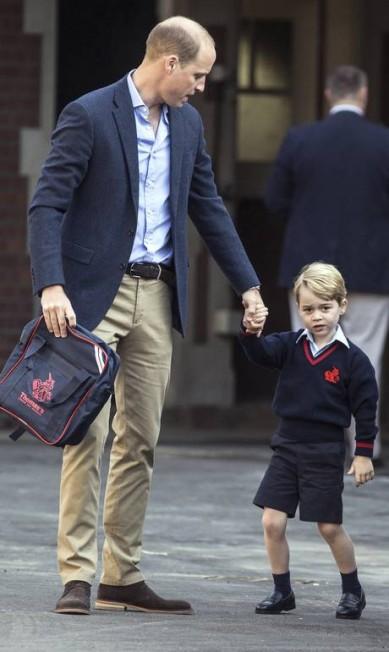 Será que George não queria entrar na escolinha? Richard Pohle / AP