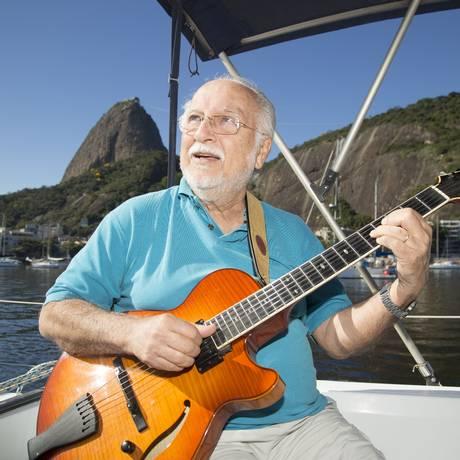 O músico, produtor e compositor Roberto Menescal Foto: Divulgação