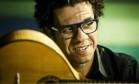 O bandolinista Hamilton de Holanda Foto: Guito Moreto / Agência O Globo