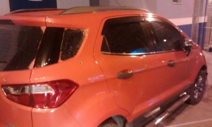 Casal de PMs é baleado após reagir a assalto na Baixada Fluminense