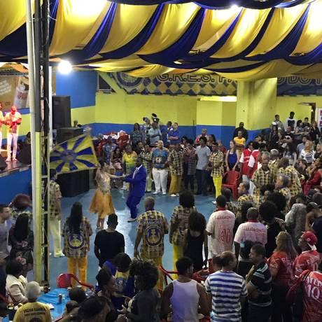 Mestre-sala e porta-bandeira fazem apresentação na Tuiuti Foto: Divulgação