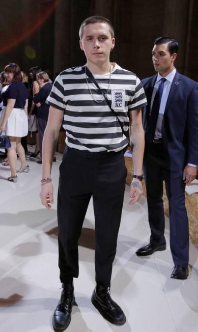 O estiloso Brooklyn Beckham ANDREW KELLY / REUTERS