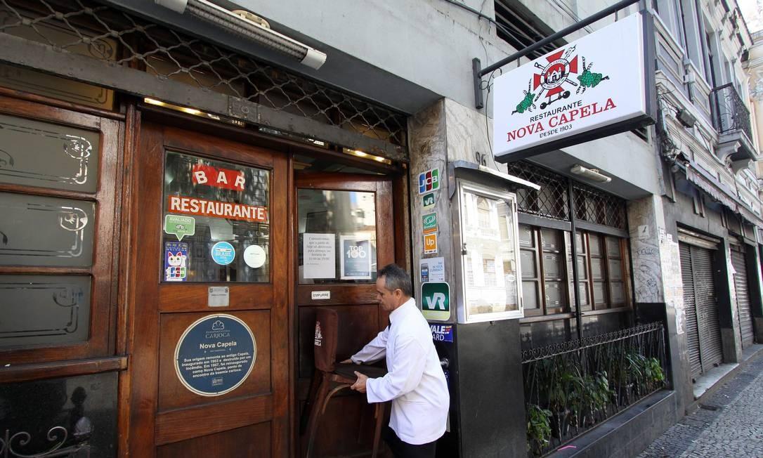 Afetado pela crise, Bar e Restaurante Nova Capela só abrirá das 11h às 19h Foto: Paulo Nicolella / Agência O Globo