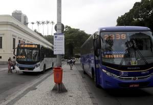 Linhas que ligam Centro à Barra da Tijuca e o Recreio (06/10/2015) Foto: Marcelo Carnaval / Agência O Globo