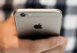 Jovens preferem manter contato por smartphones e mídias sociais Foto: Divulgação