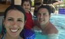 A médica Mariana Fischer na piscina com seu marido, o auditor Rafael Forno, e sua filha Giovana, de 3 anos Foto: Reprodução