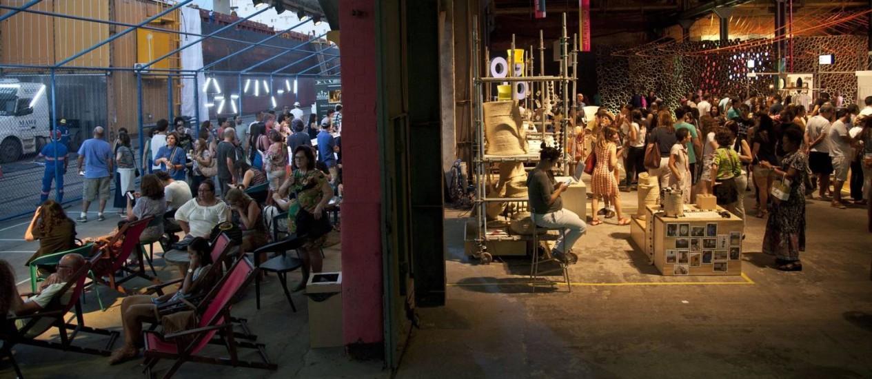 Conexão. Tema da Semana Design Rio deste ano envolverá o público que for ao Armazém 3 do Píer Mauá: área de convivência, debates com grandes nomes e um mercado que reunirá criadores e consumidores farão parte do evento Foto: Adriana Lorete/3-9-2016