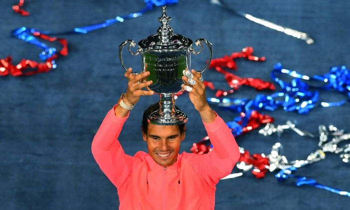 Rafael Nadal ergue título do Aberto dos EUA Foto: TIMOTHY A. CLARY / AFP