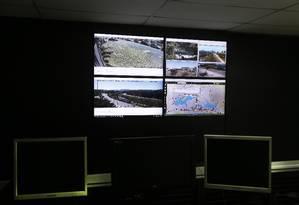 Sala de central monitoramento foi inaugurada no 31º BPM Foto: ANTONIO SCORZA / Agência O Globo