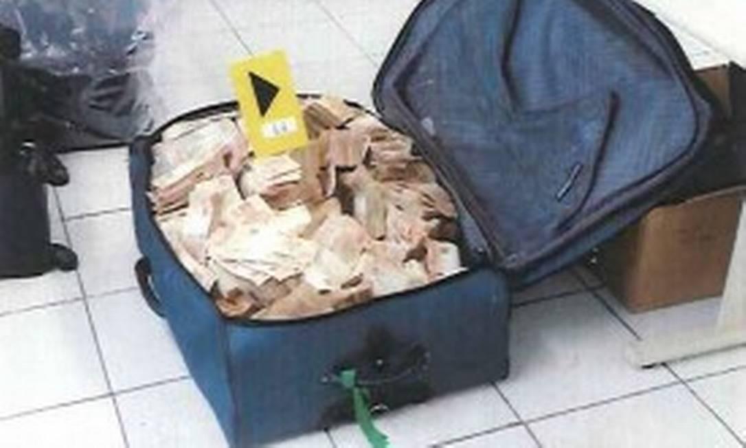 Três dias após a apreensão do dinheiro, Geddel foi preso preventivamente por decisão da Justiça Federal em Brasília Foto: Reprodução/PF