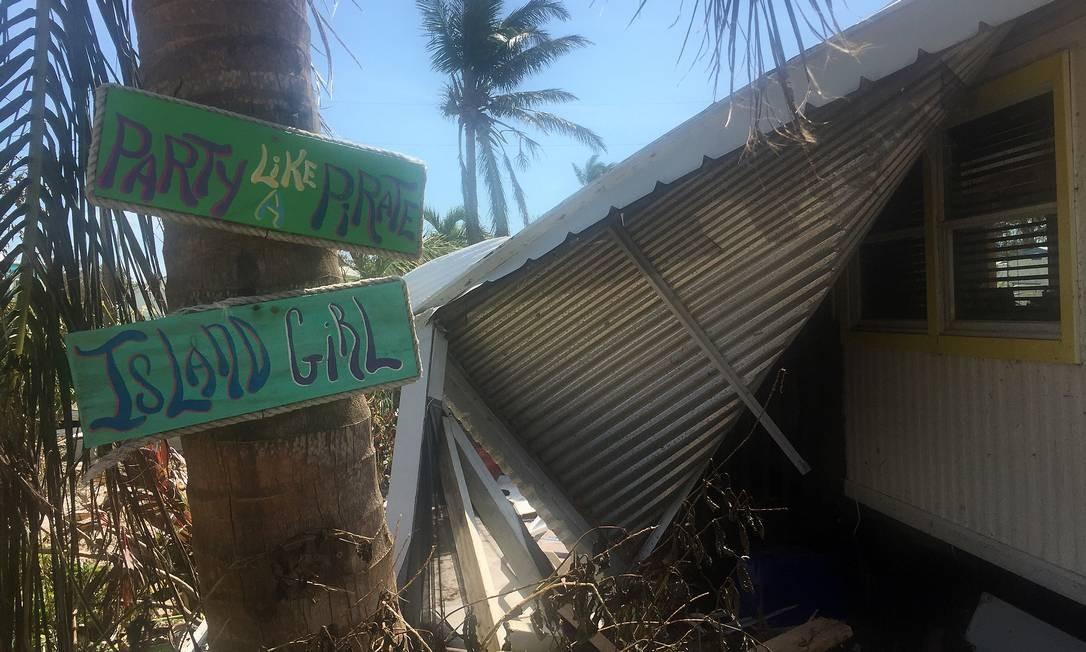 Os ventos de quase 200 km/h arrancaram partes inteiras desses imóveis muito populares e apreciados pelos aposentados. Foto: Henrique Gomes Batista / .