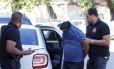 Bombeiros presos durante a operação contra a quadrilha acusada de vender alvarás (12/09/2017)
