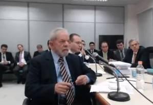 O ex-presidente Lula presta depoimento em Curitiba Foto: Reprodução