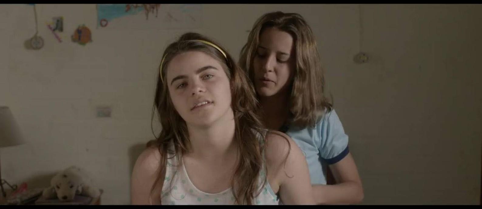 Cena do filme 'As duas Irenes' Foto: Divulgação