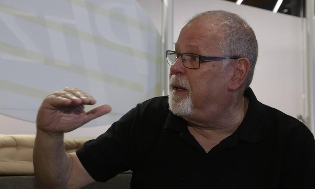 O médico israelense Ron Dagan: problema não é de educação, mas de acesso à boa informação Foto: Fabio Guimarães