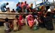 Rohingyas atravessam Baía de Bengala em busca de refúgio em Bangladesh