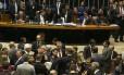 Sessão da Câmara sobre reforma política durou cerca de onze horas sem chegar a um acordo Foto: Givaldo Barbosa / Agência O Globo