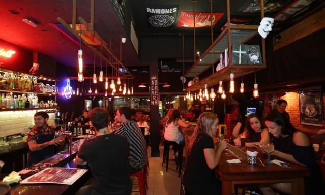 Nos 15 anos de Pé-Sujo e Pé-Limpo, 30 bares imperdíveis