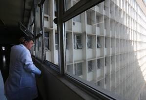 O diretor do Hospital do Fundão, Eduardo Côrtes Foto: Custódio Coimbra / O Globo