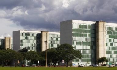 Esplanada dos Ministérios. À frente, o Ministério do Desenvolvimento Agrário Foto: Jorge William / Agência O Globo