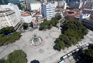Praça Tiradentes, no Centro do Rio, será objeto de estudo para valorização da região Foto: Custódio Coimbra / Agência O Globo