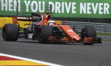 A McLaren de Stoffel Vandoorme durante o GP da Bélgica em 2017 Foto: Olivier Matthys / AP