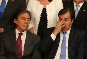 O presidente do Senado, Eunício Oliveira, e o presidente da Câmara, Rodrigo Maia Foto: Ailton de Freitas / Agência O Globo