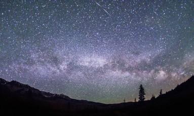 A Via Lactea vista da Sawtooth National Recreation Area, em Idaho Foto: Nils Ribi / AP