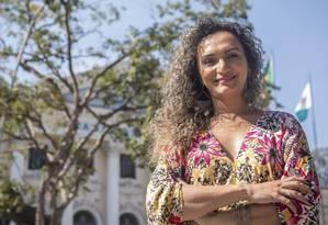 Mulher transexual preside o primeiro conselho LGBT do Rio; à direita, Benny Briolly, primeira transexual a trabalhar na Câmara Foto: Agência O Globo / Analice Paron
