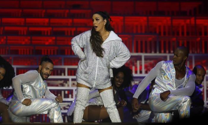 Crítica: Abusada e 'maternal' com fãs de Gaga, Ivete faz seu show mais seguro no Rock in Rio Foto: PABLO JACOB / O Globo