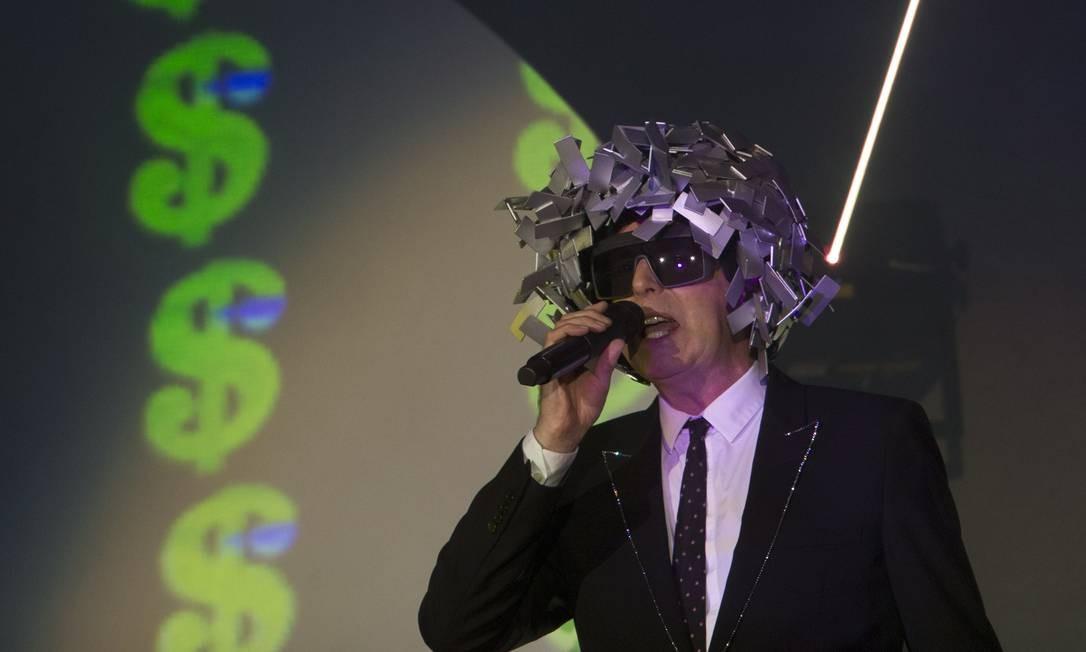 Ícones do pop mundial, os Pet Shop Boys foram a segunda atração do palco Mundo Foto: Antonio Scorza / O Globo