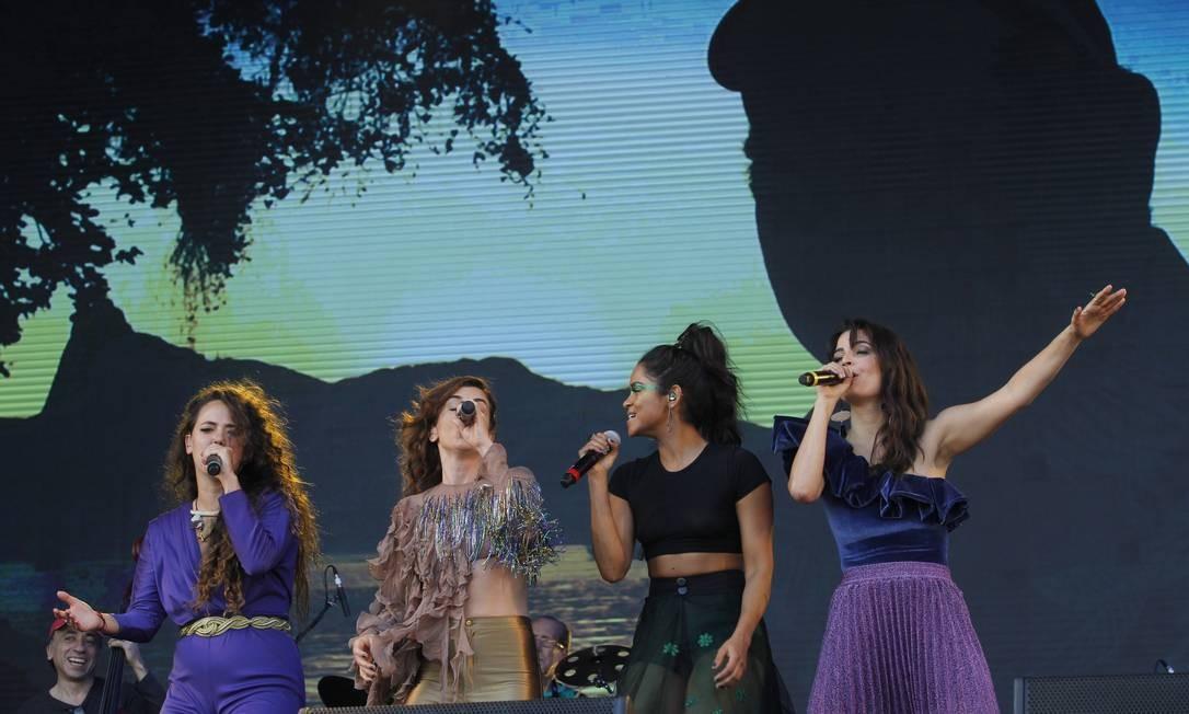 Show contou com as presenças de Tiê, Mariana Aydar, Lucy Alves e Emanuelle Araújo Foto: Pedro Teixeira / Agência O Globo