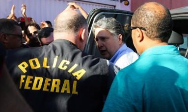 O ex-governador do Rio de janeiro Anthony Garotinho, chega a Campos para cumprir prisão domiciliar Foto: CARLOS GREVI / Agência O Globo
